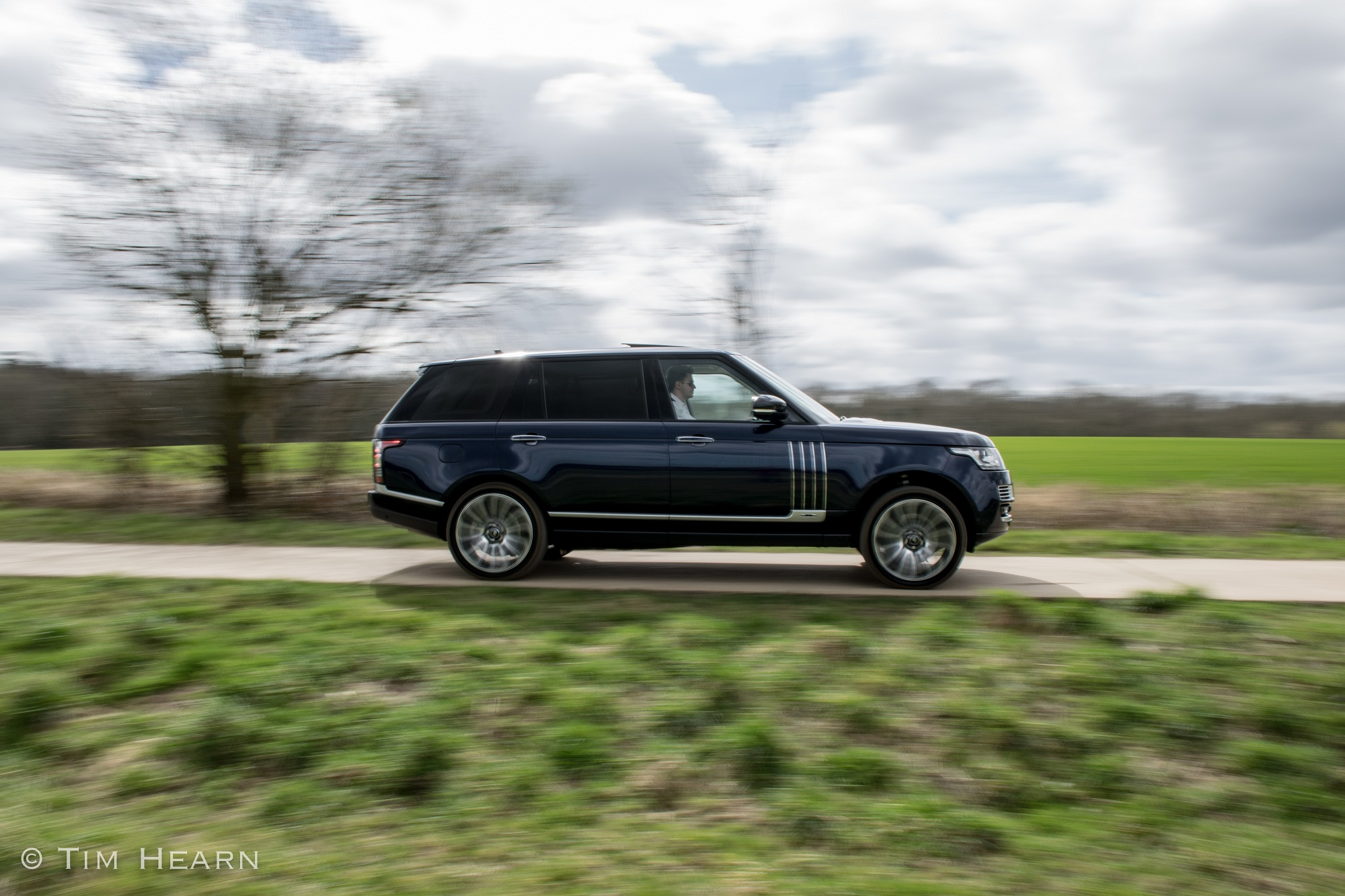 AutoPrive Review of Range Rover Long Wheelbase