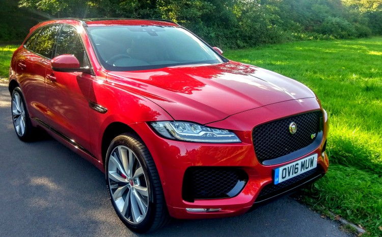 AutoPrive review of Jaguar F-Pace